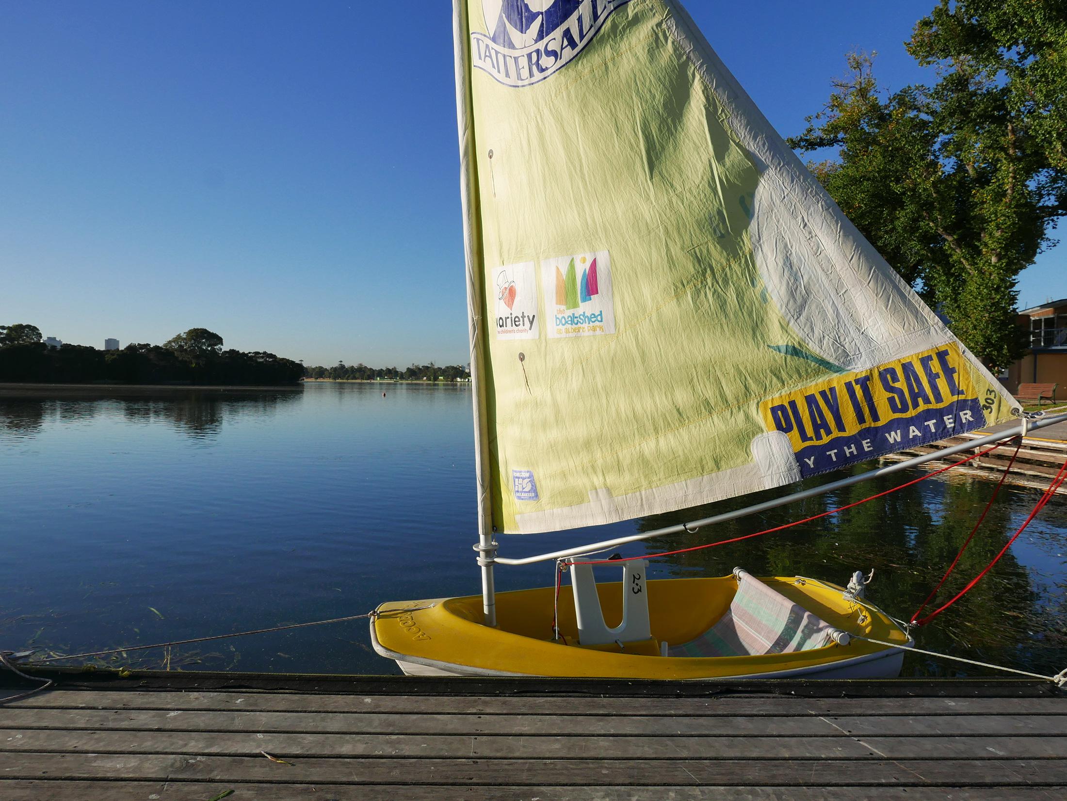 Sailing-hansa-in-morning-sunlight.jpg