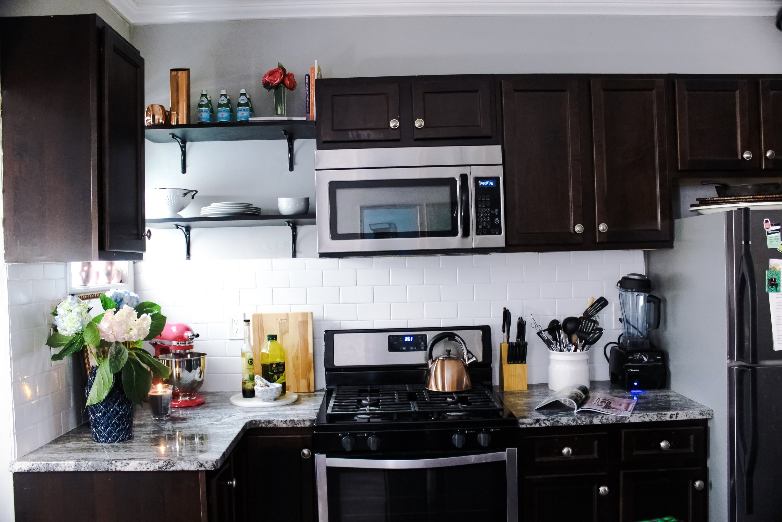 Keeping Your Kitchen Counter Clean - 7 Tips on Styling Your Kitchen