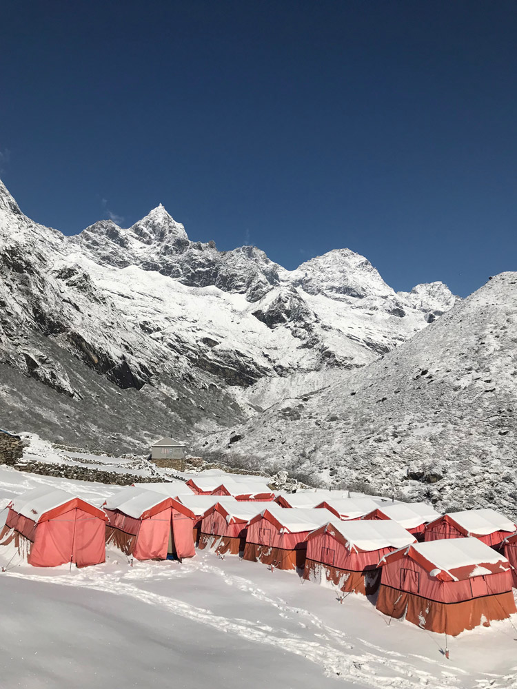 huts-mount-everest.jpg