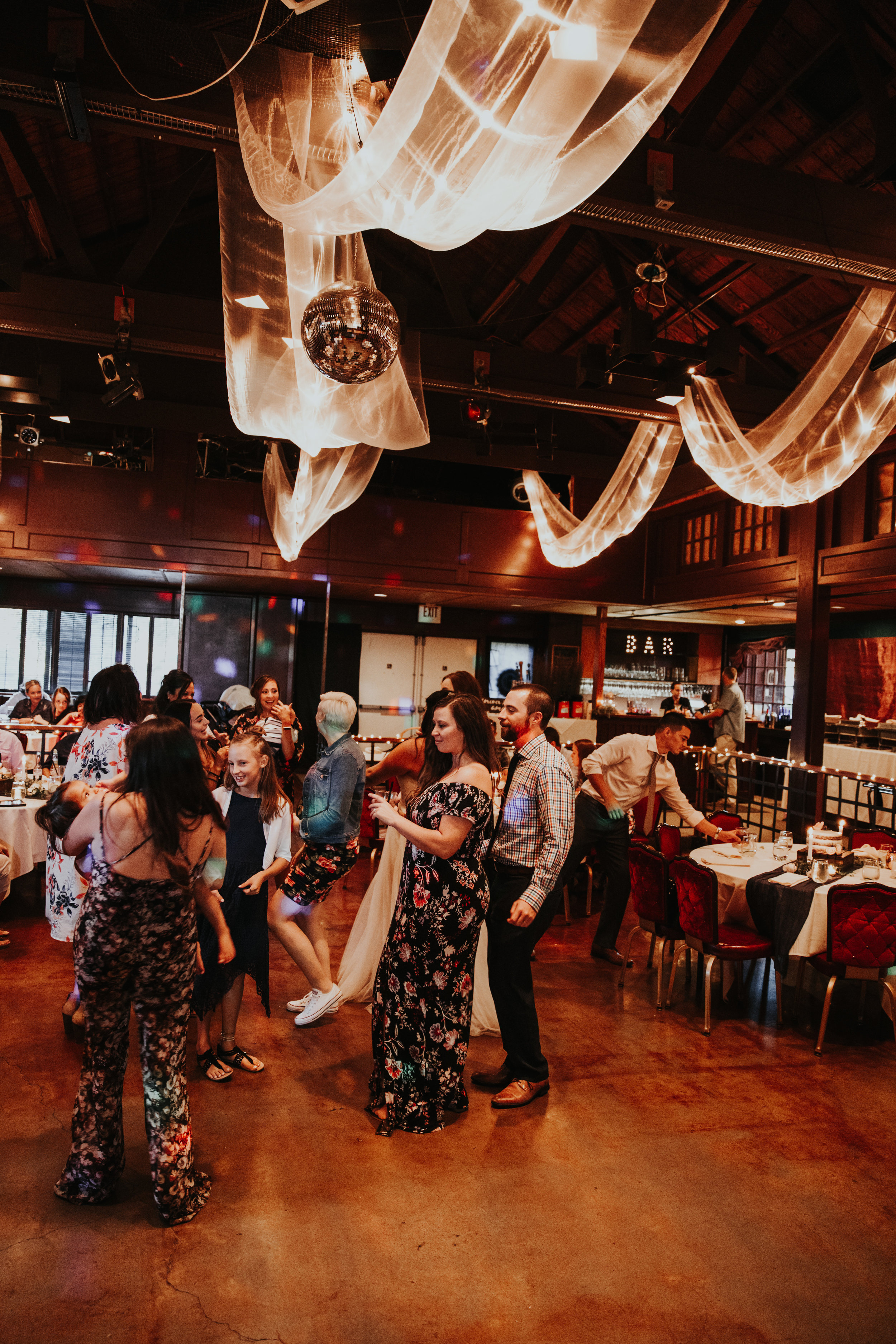 Oregon coast wedding photographer and event venue (8).jpg