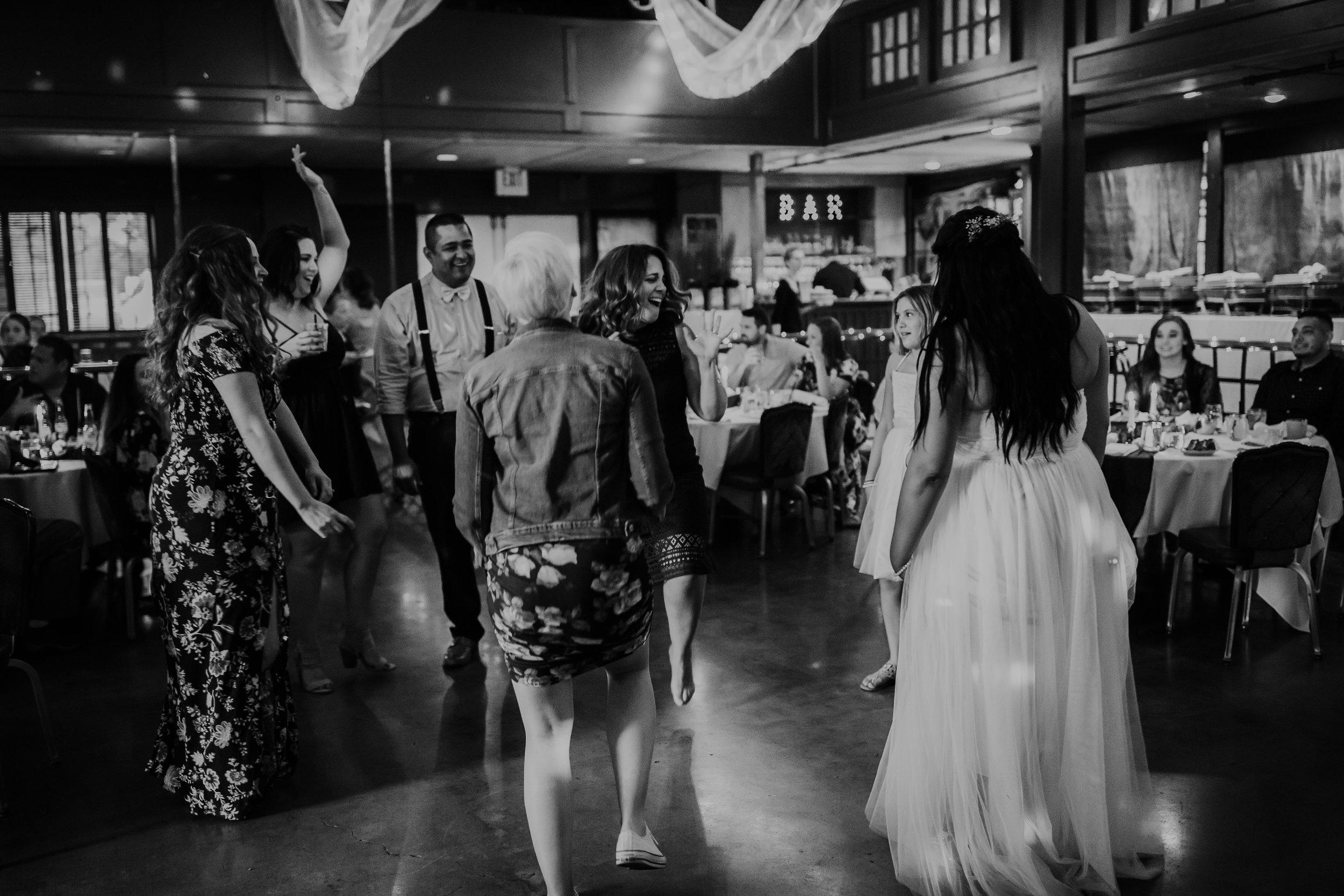 Oregon coast wedding photographer and event venue (17).jpg