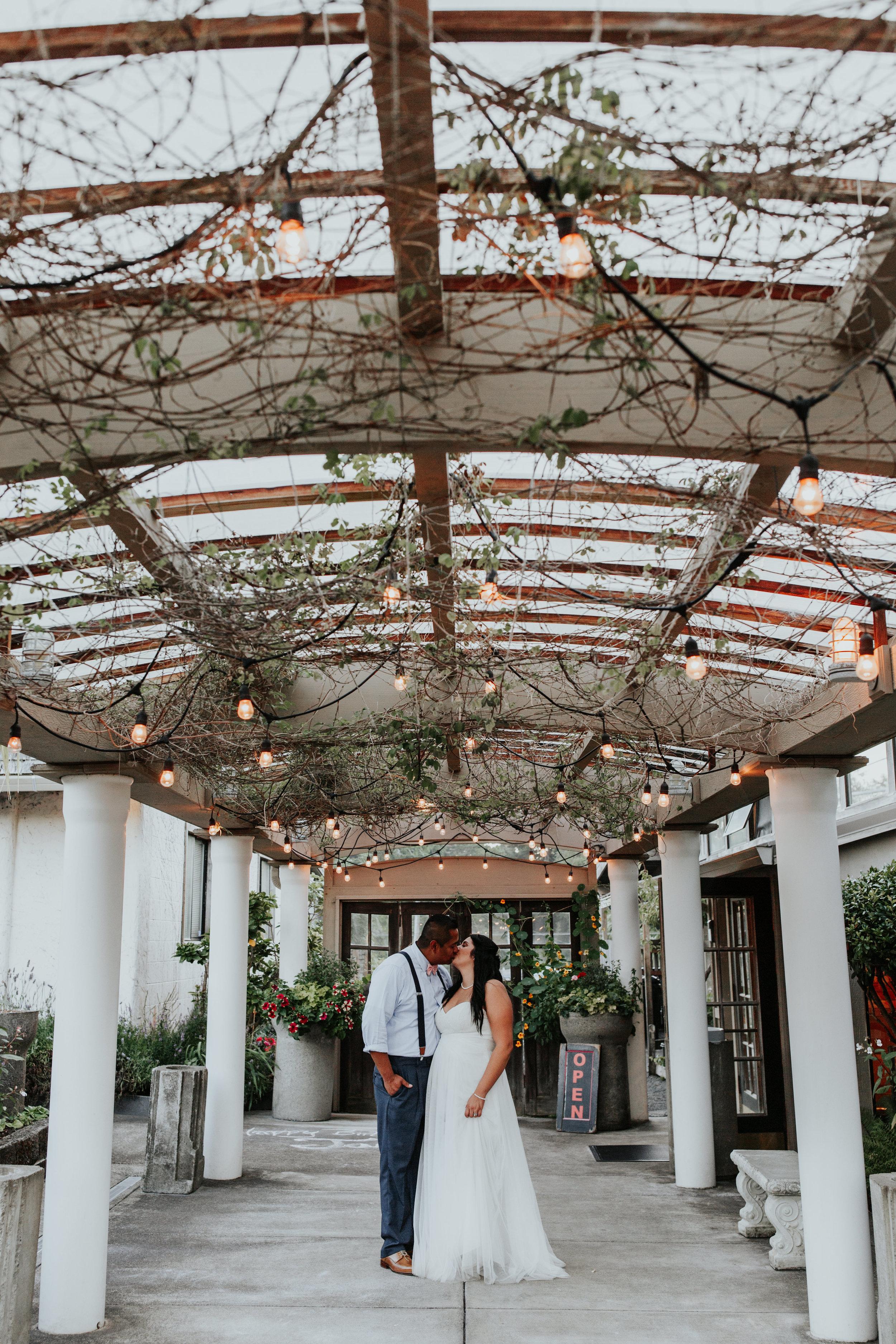 Oregon coast wedding photographer and event venue (27).jpg