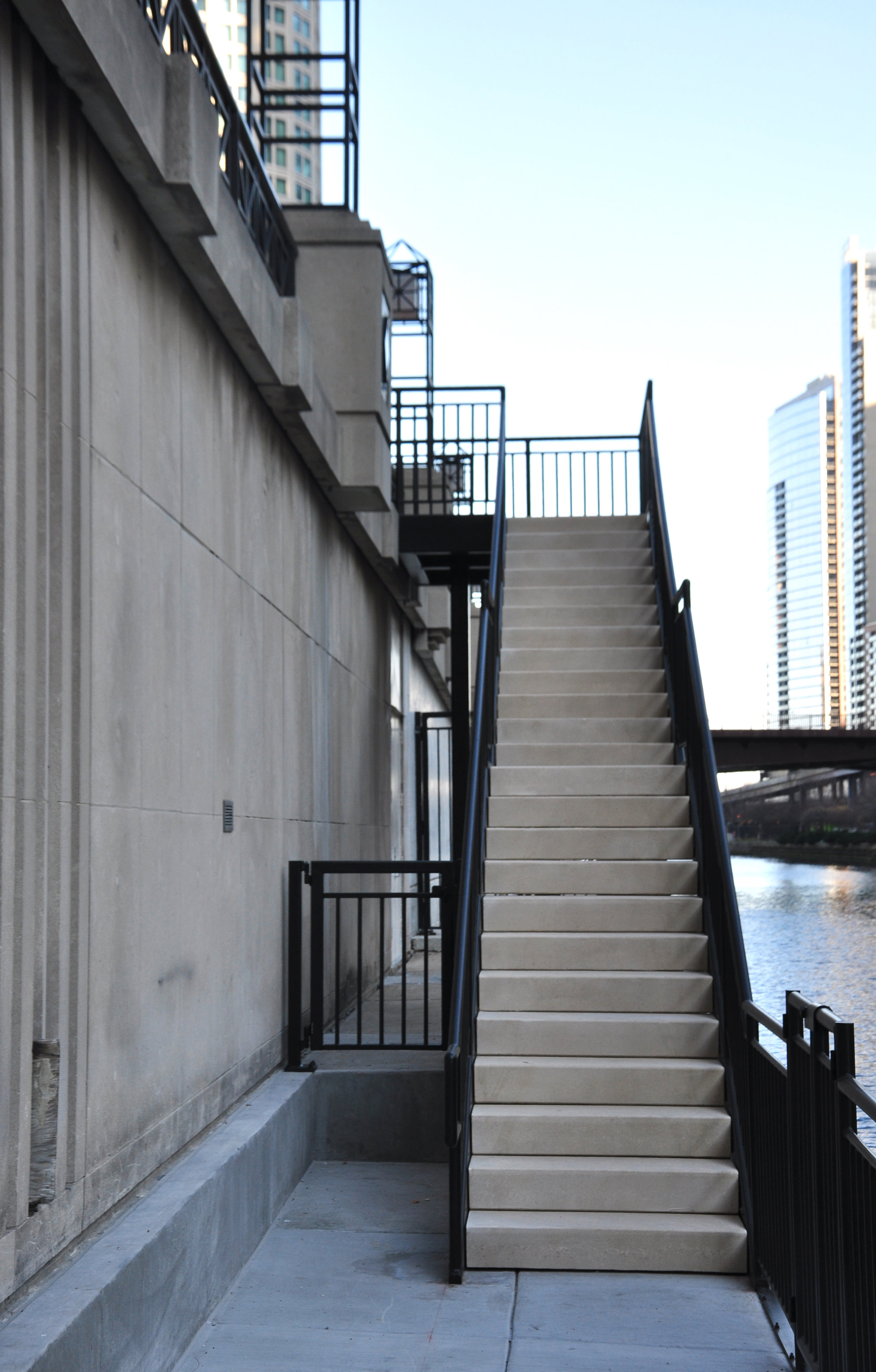 Project completed: new stairs at Michigan Avenue and the Chicago River