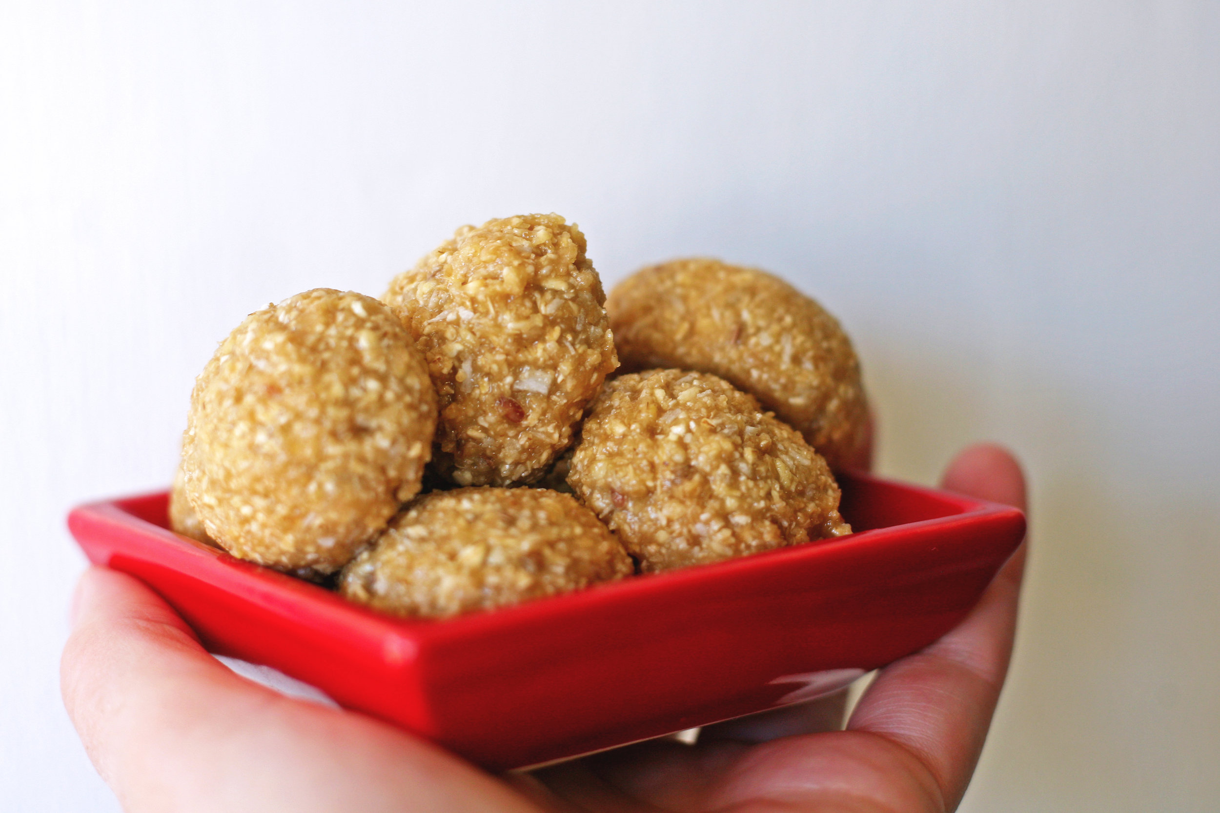Cashew and peanut butter bites