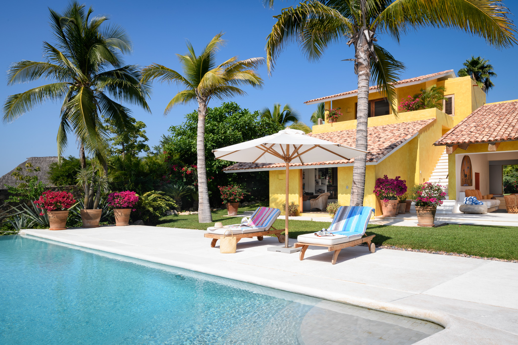 06-House from pool.jpg