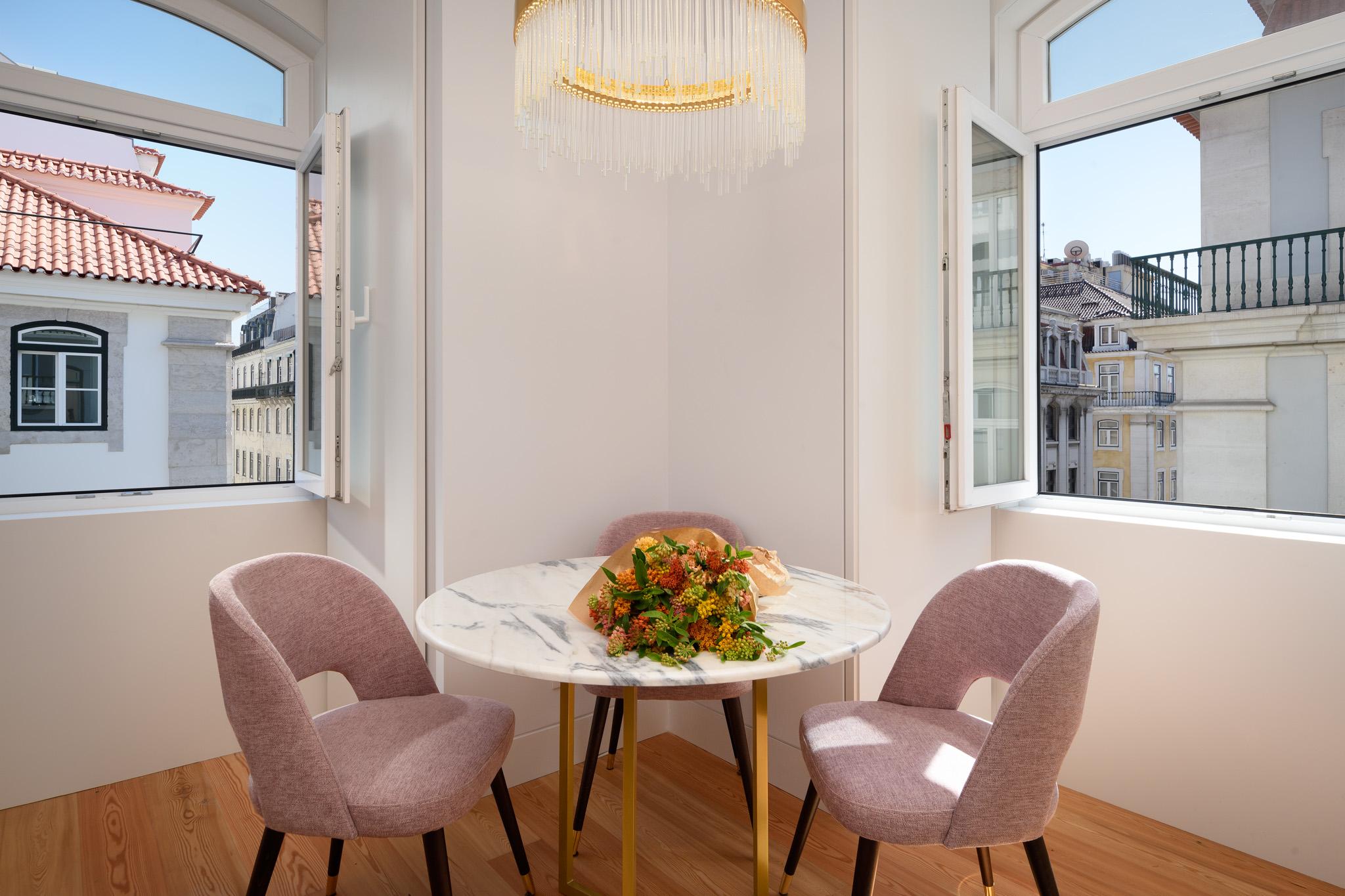 10-3G - living room.jpg
