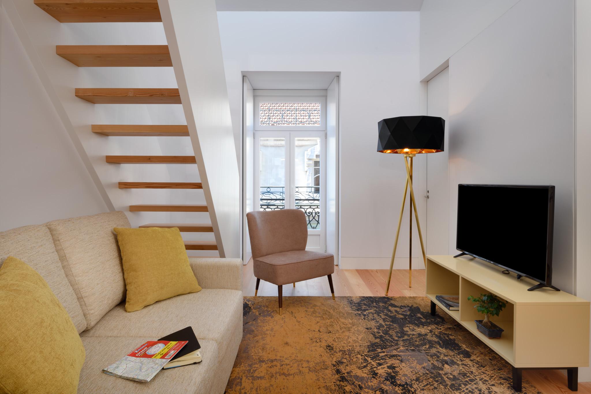 25-5C - living room.jpg