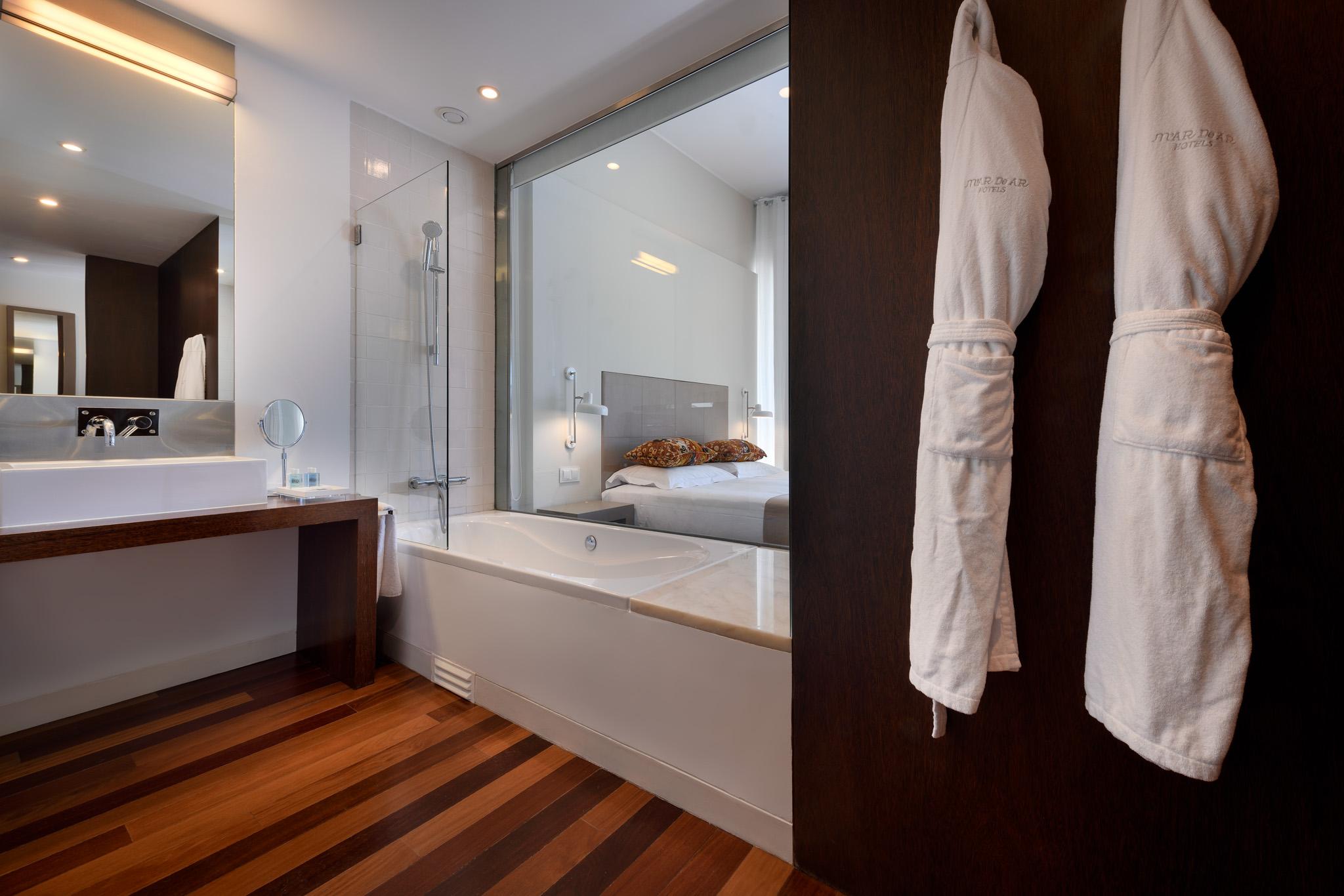 07-Quarto 218-casa de banho.jpg