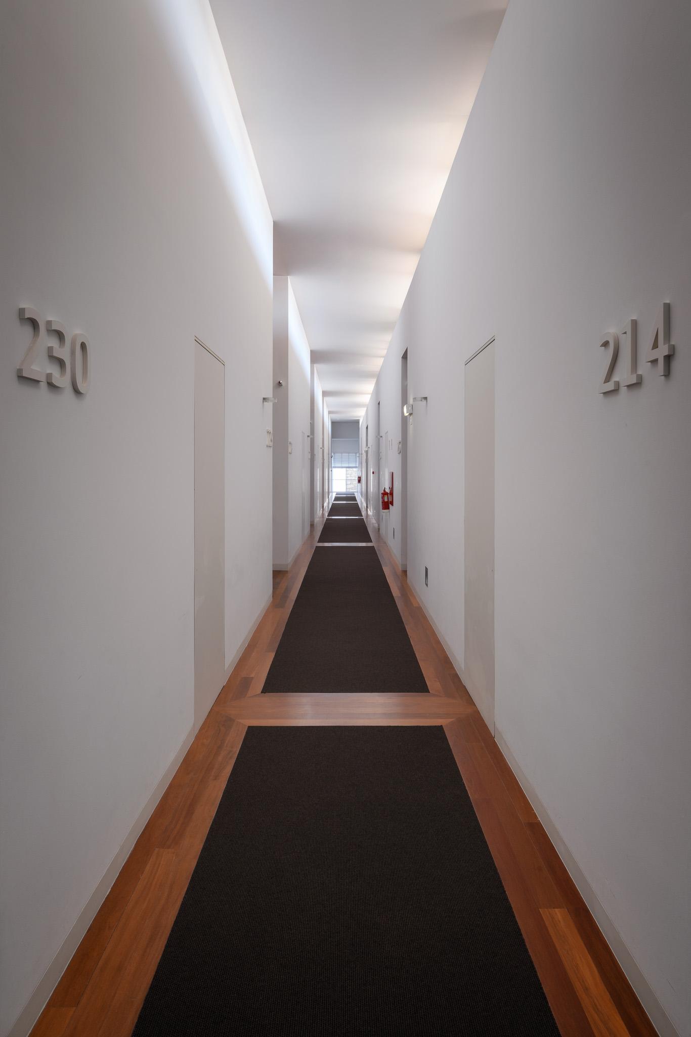 35-Corredor dos quartos-dia.jpg
