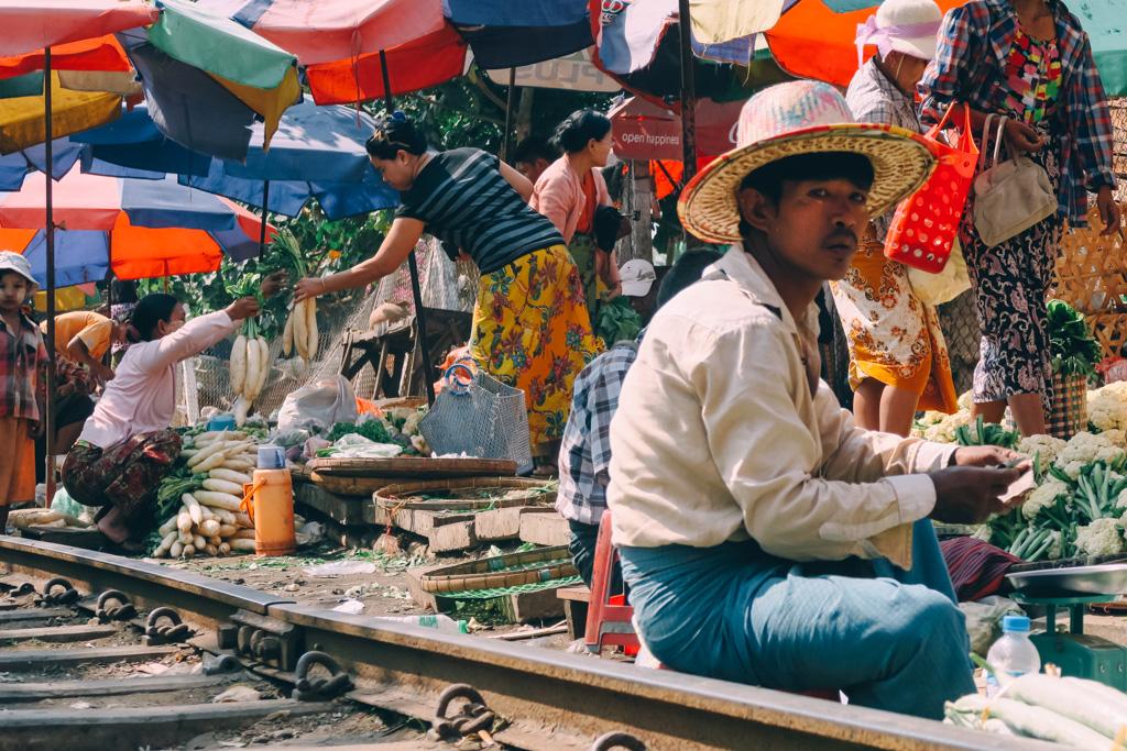 Yangon Market - Yangon circle line train