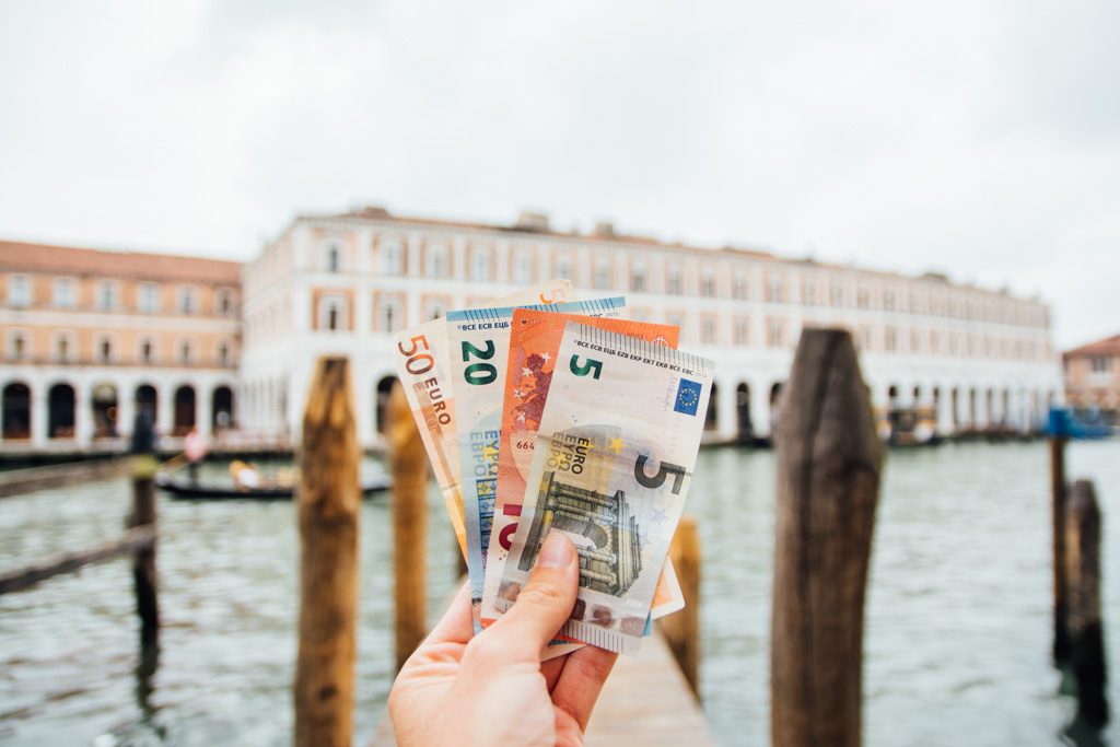 Money problems travelling to Venice on a backpacker budget