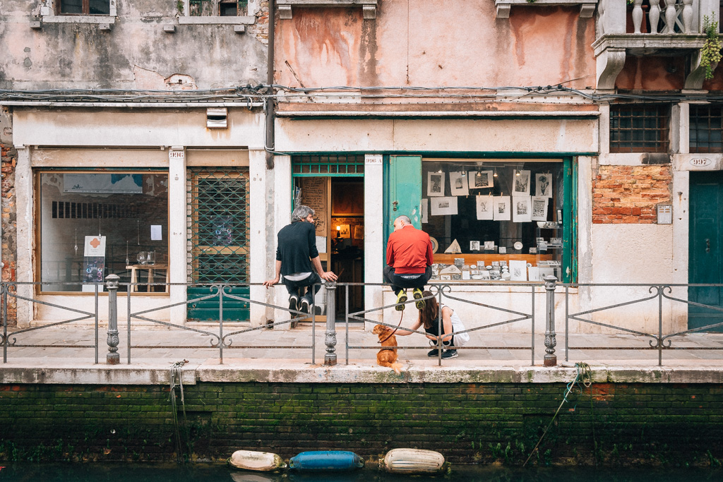Stay local save save your backpacker budget in Venice