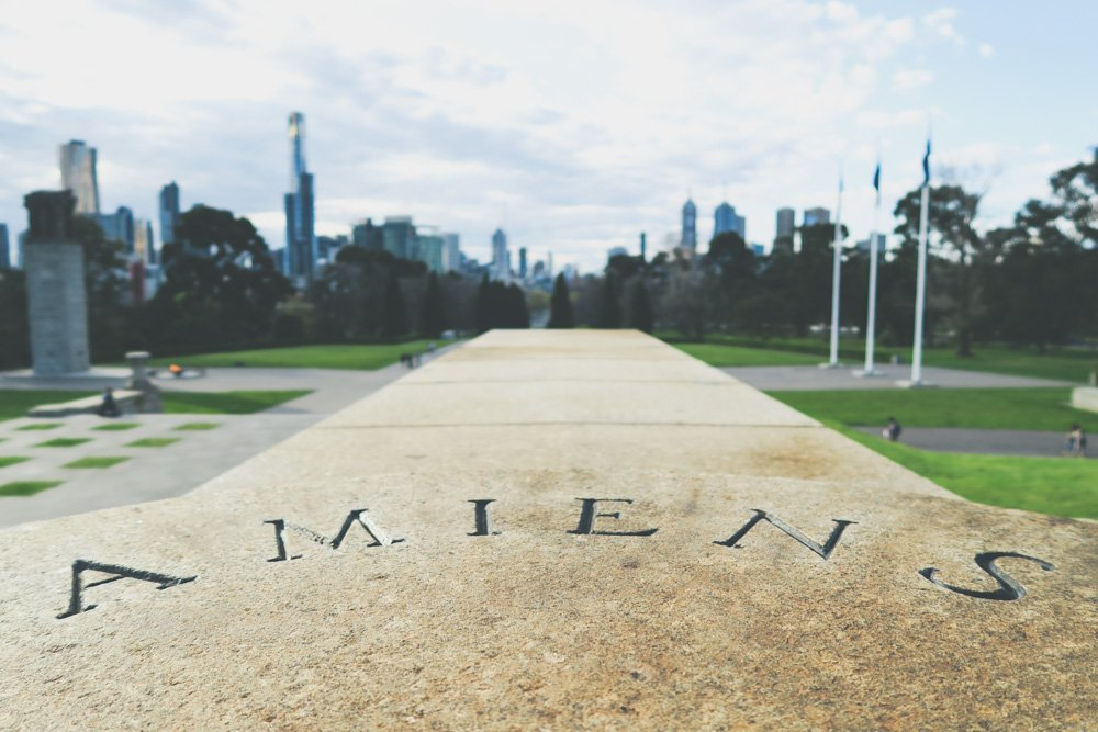 Melbourne on a budget - shrine of remembrance