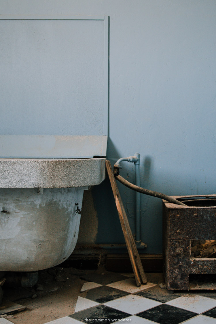 The bathroom of a former mansion in Kolmanskop ghost town, Namibia
