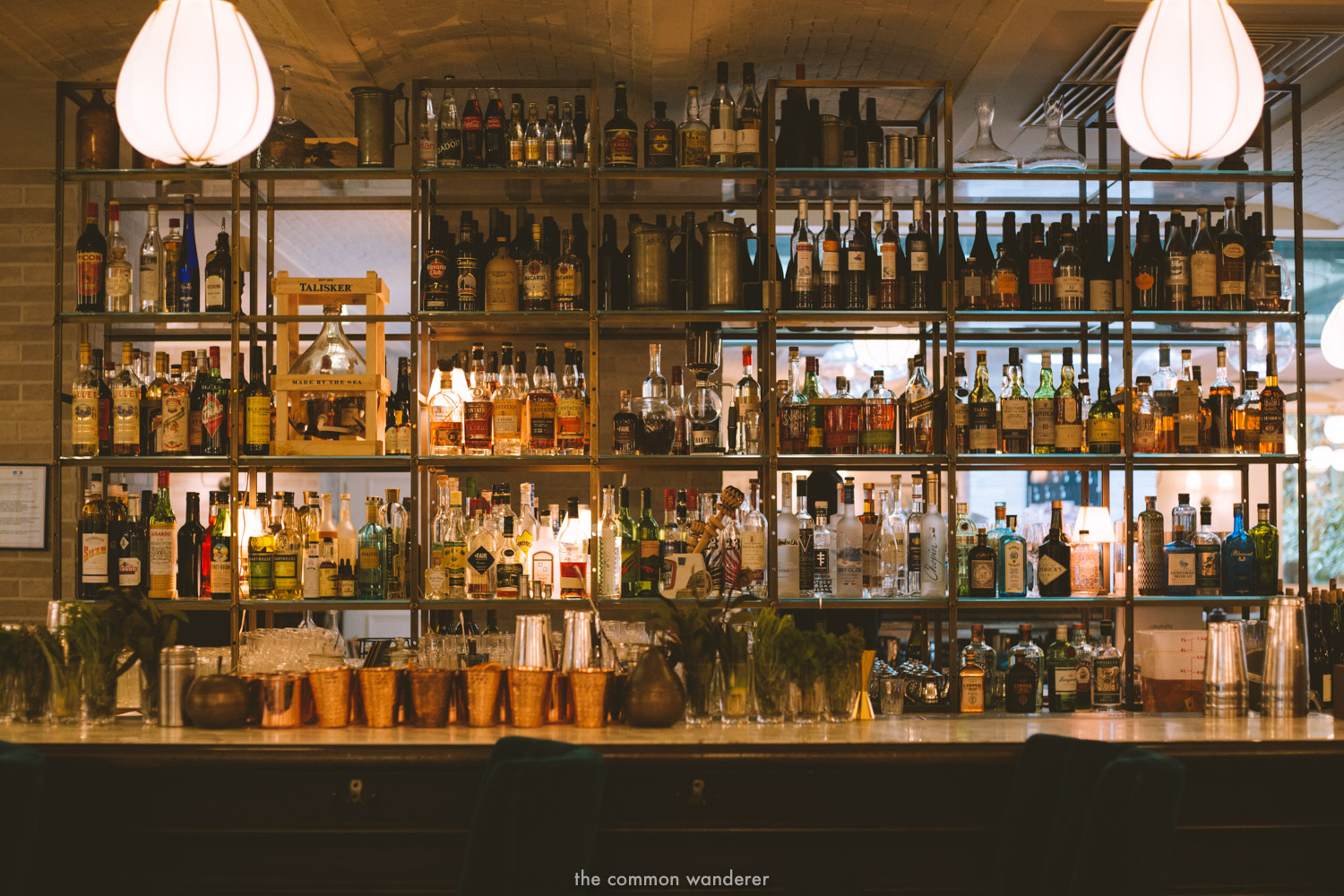 The beautiful Rivie bar at the Hoxton Paris - THECOMMONWANDERER.COM