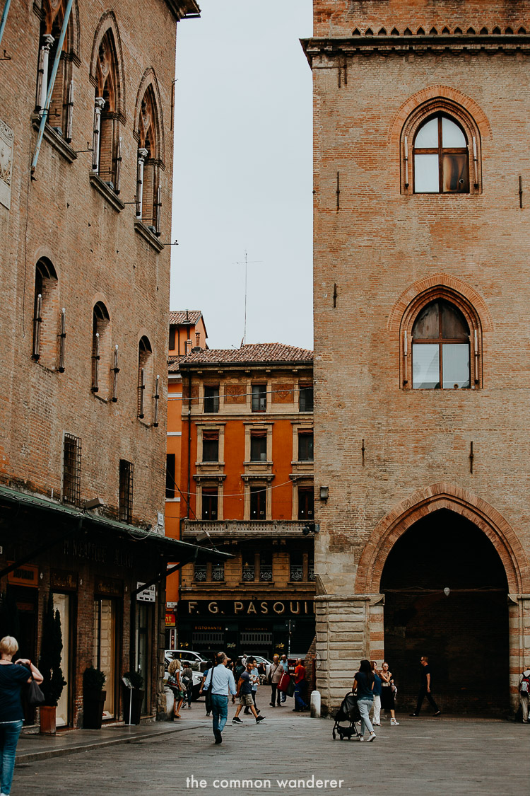 Best things to do in Bologna | Piazza Maggiore