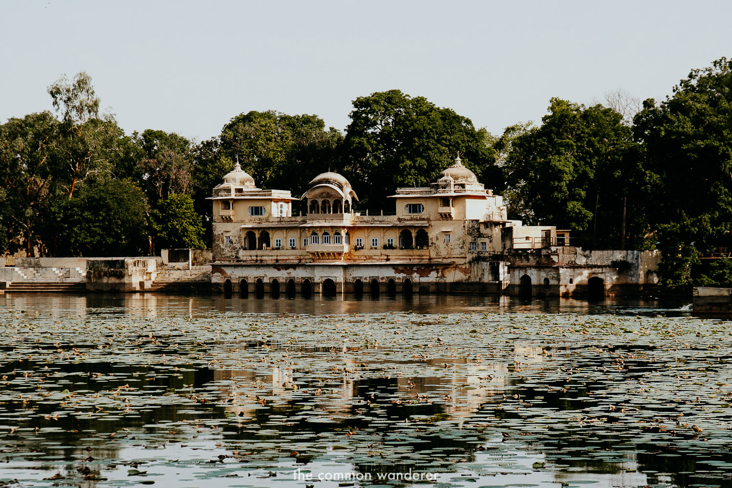 Sukh Mahal, Bundi reflecting in the water with lillies