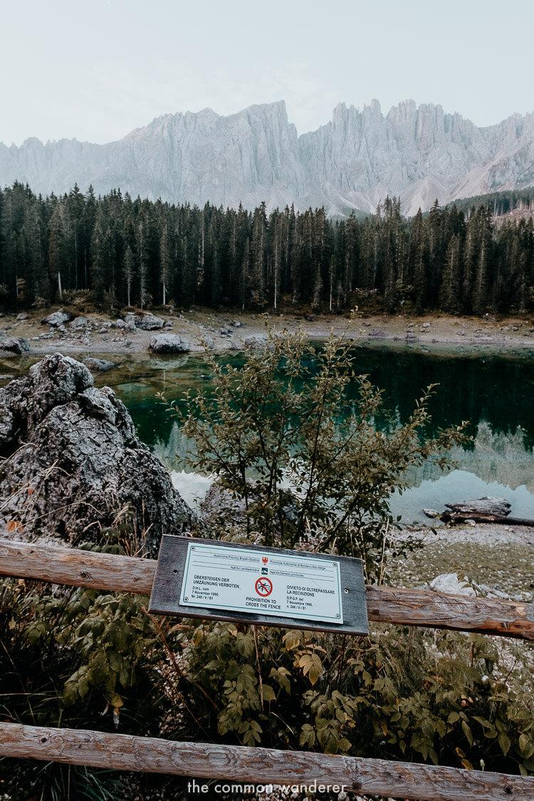Warning signs at Lago di Carezza
