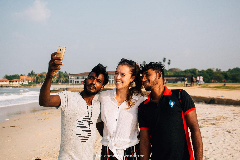 Friends lanka sri girl in find Sri Lankan