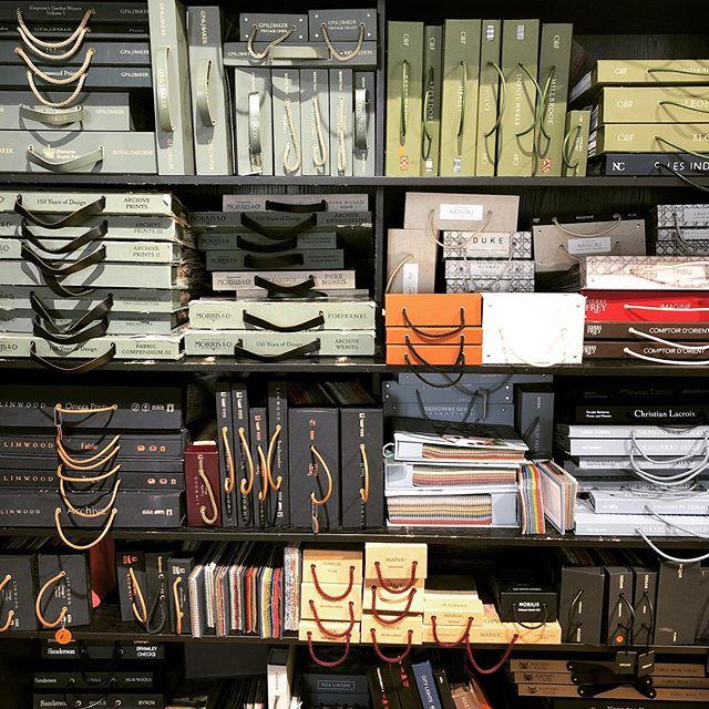 Decisions Decisions 🖤 . . . . . #louisebrowninteriors #wallpaper #fabrics #samples #interiors #projects #velvet #linen #patterns #interiordecor #interiordesign #interiorstyling #instadecor #renovation #sourcing #styling