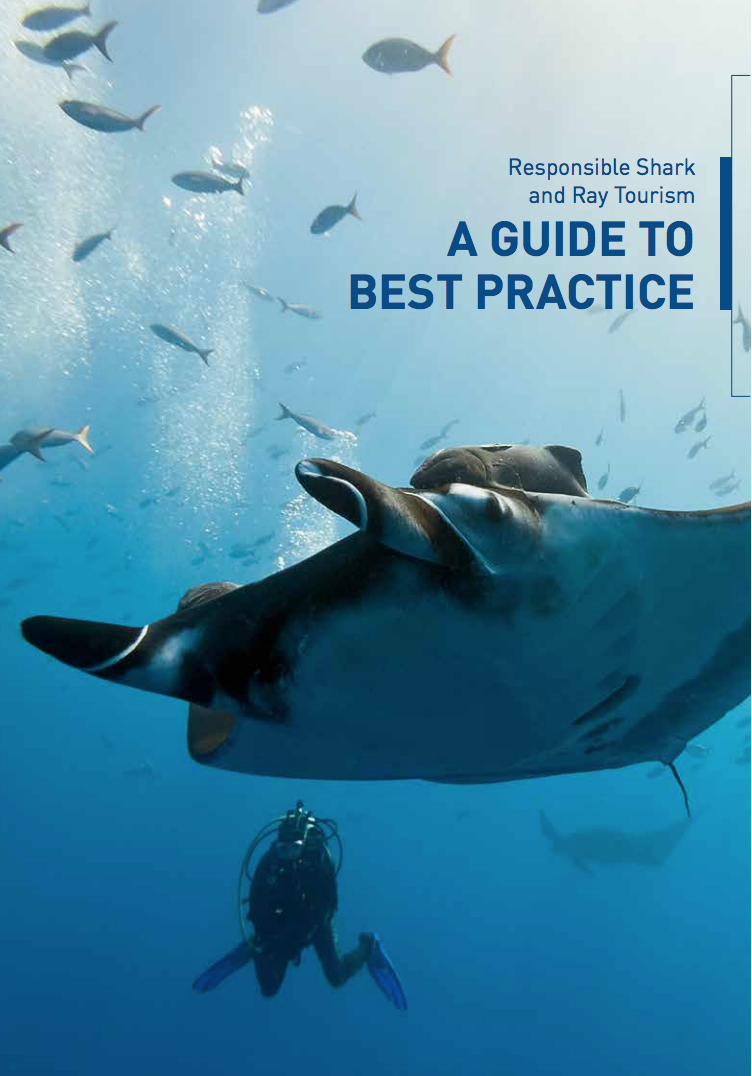 Citizen Science in the Guide to Best Practices for diving with Sharks - Chapter 3 is about