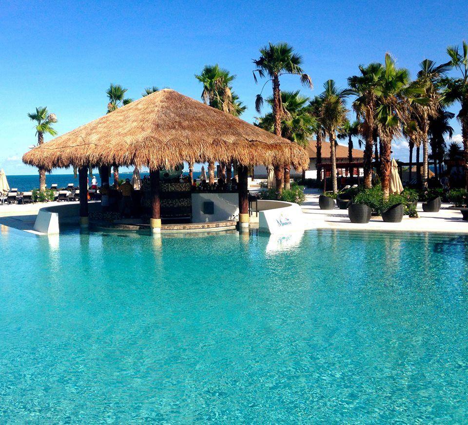 playa-mujeres-pool-bar.jpg