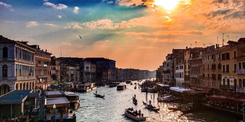 Busy Venice Canal twenty20_5ed18bc5-6879-4d48-9c87-56eb9aded82b.jpg .jpg