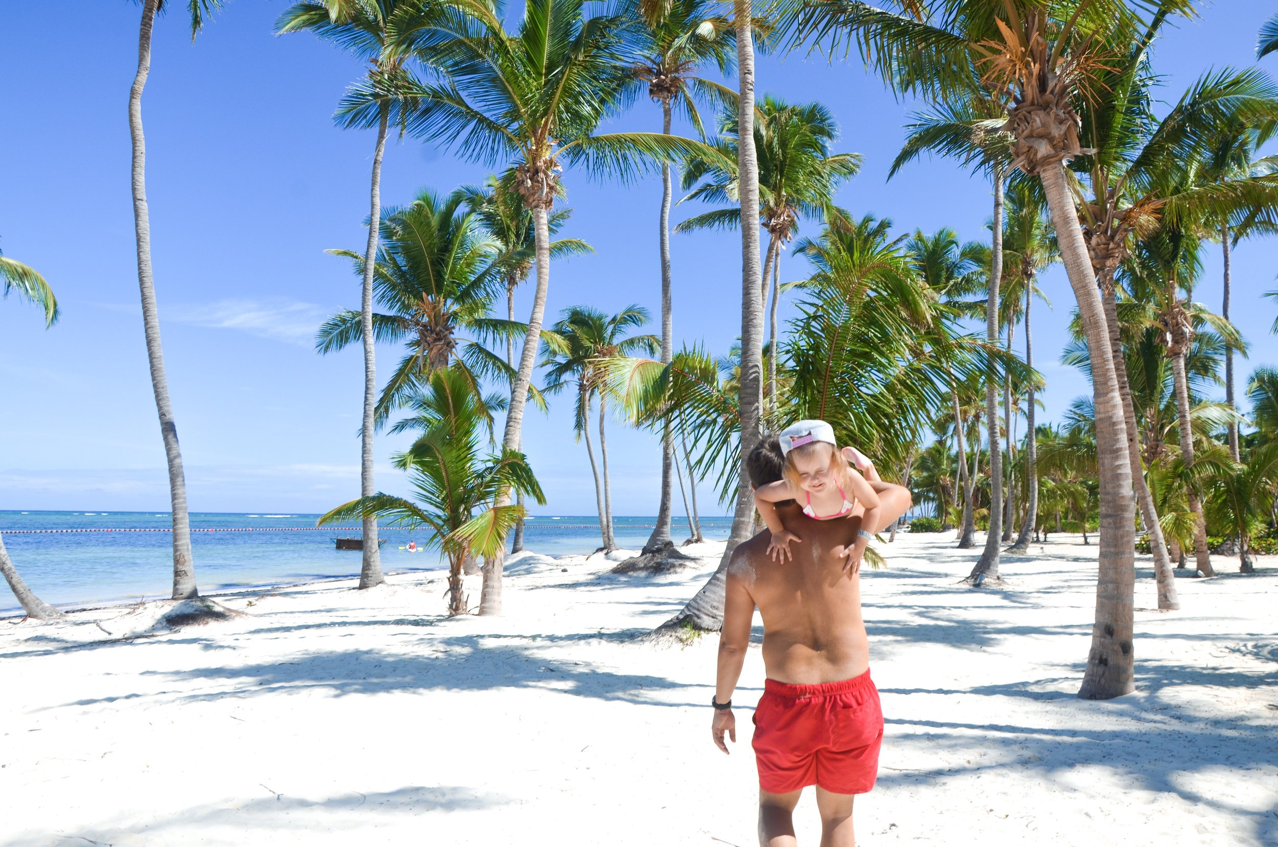 beach-summer-ocean-sandy-beach-dominican-republic-punta-cana-daddy-and-daughter_t20_koQ98P.jpg