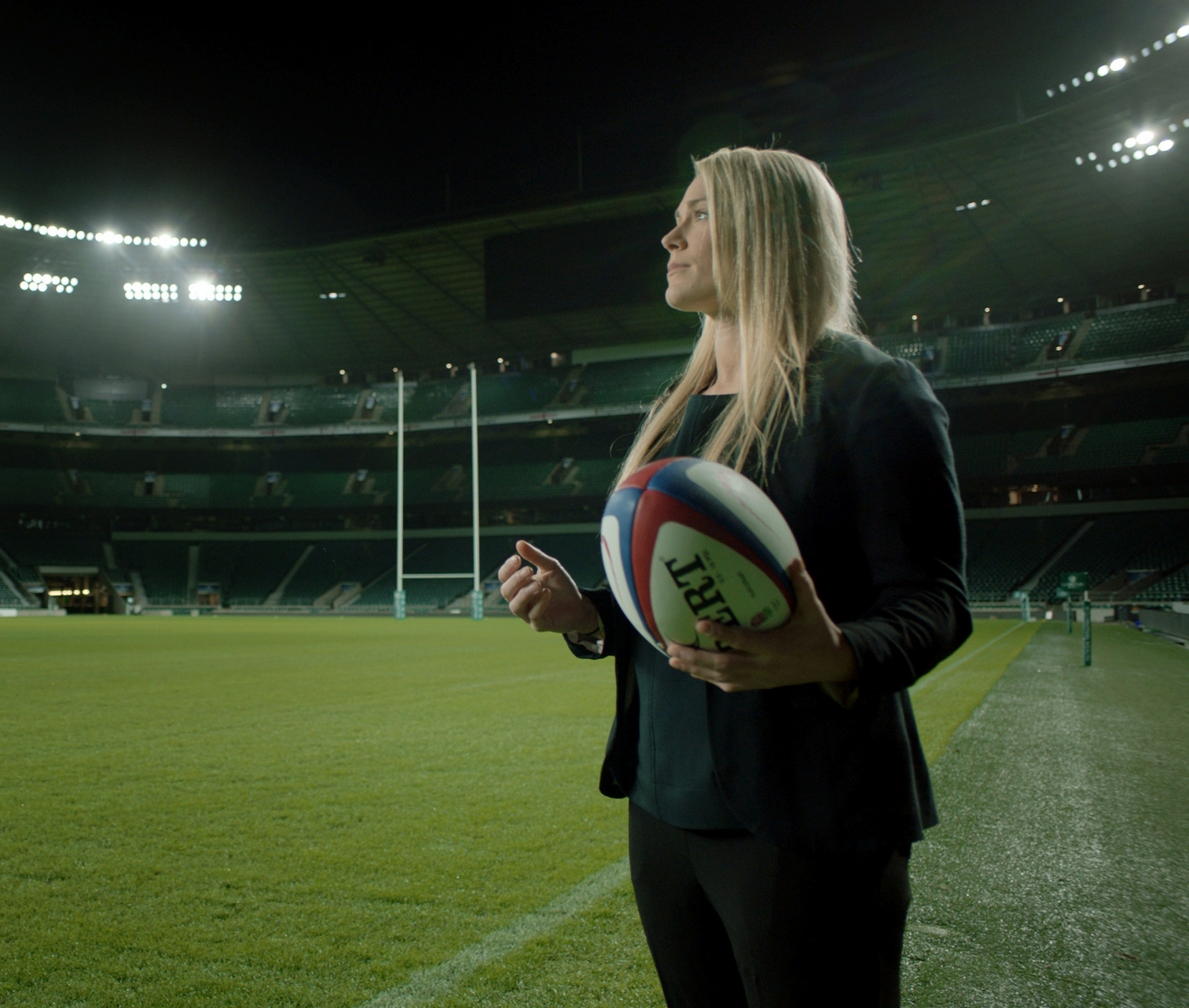 England Rugby union player - Talking Rugby, the pay gap and helping young women to find their passion.