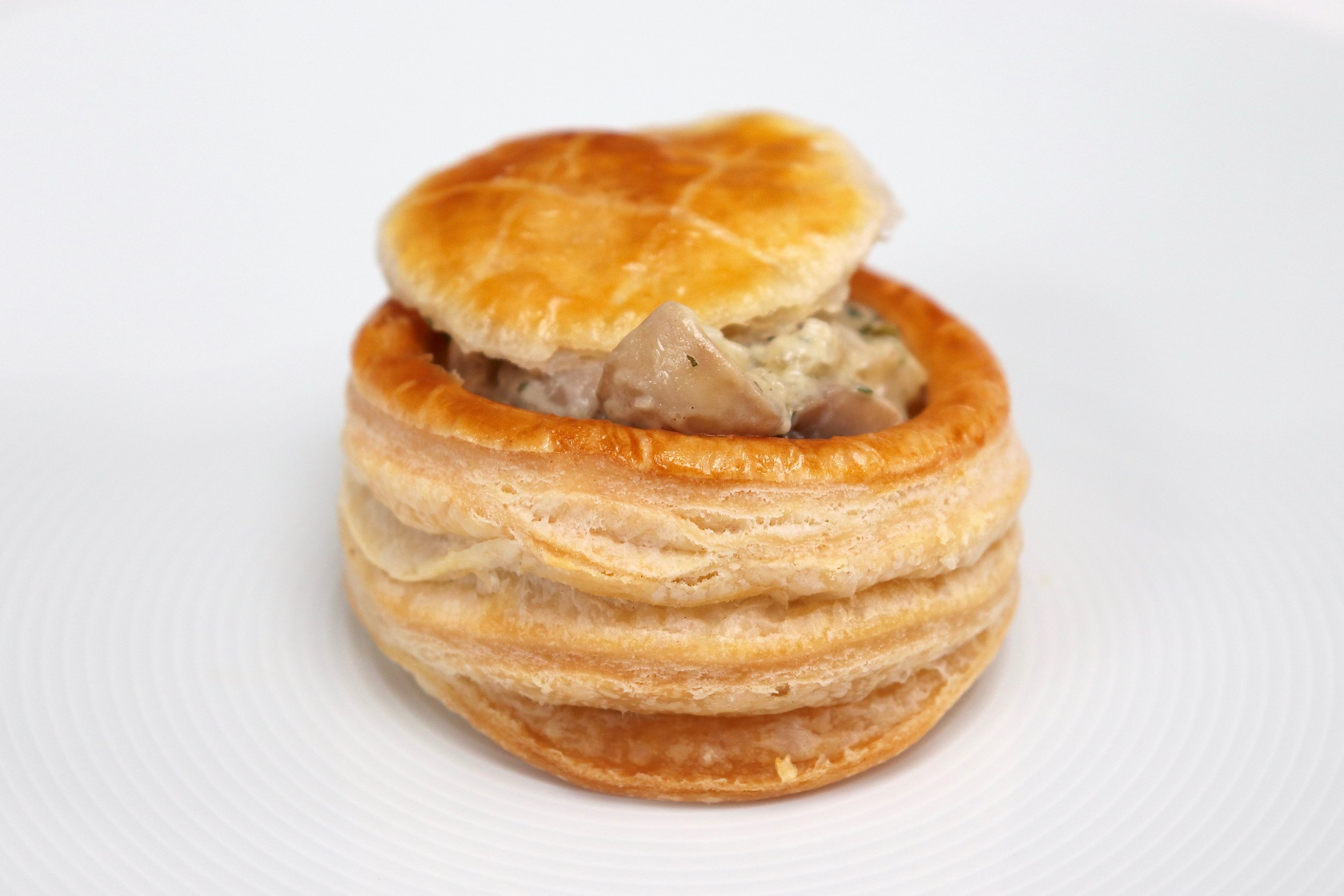 Bouchée filled with herby mushrooms