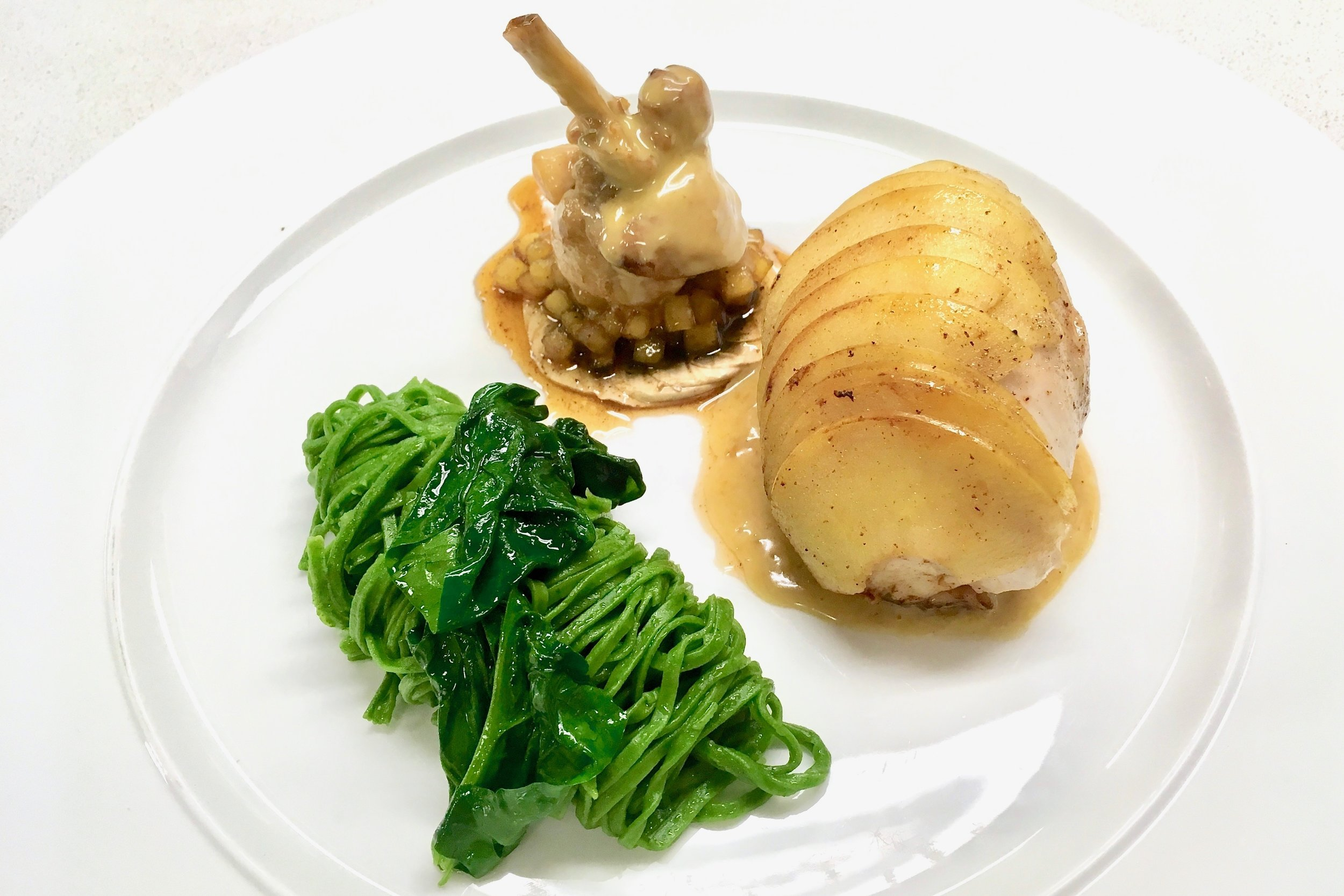 Rabbit leg with cider and apples