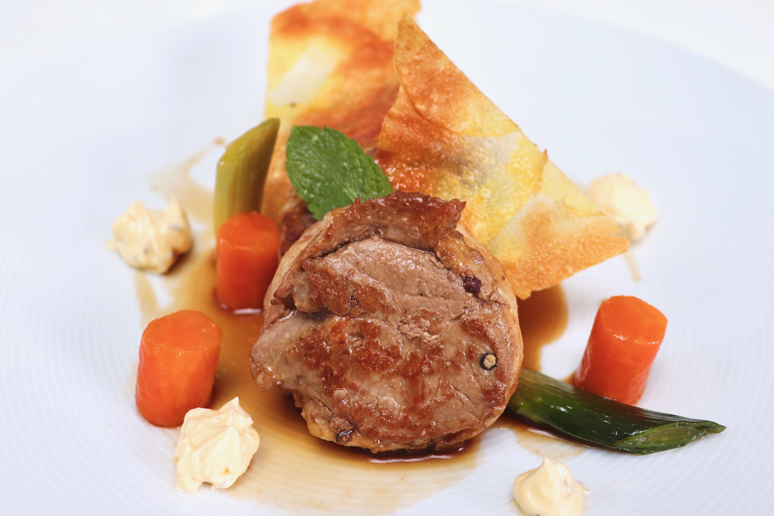 Lamb noisettes with Pomme Maxim's and Paloise Sauce