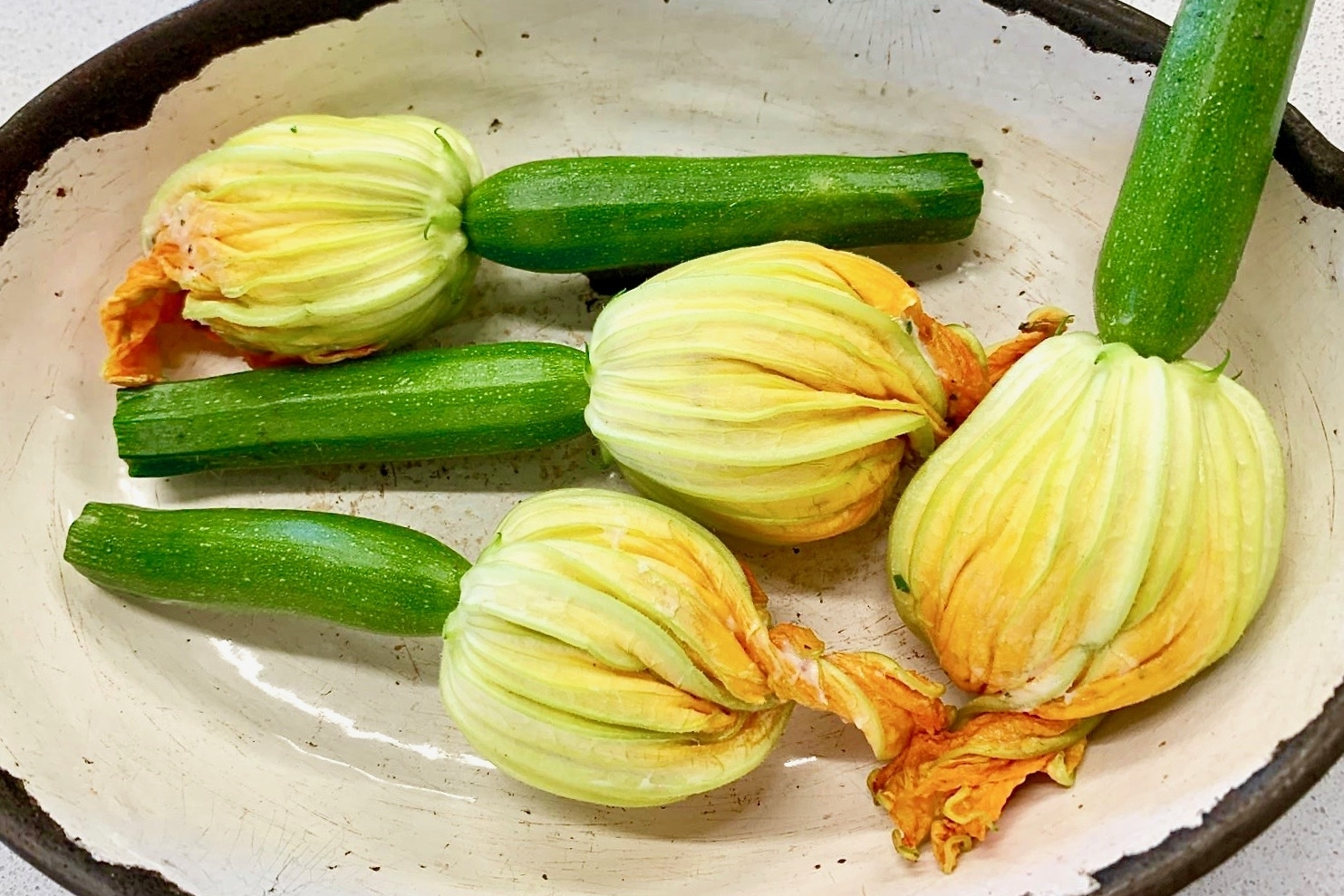 Courgette flower stuffed with chicken mousse and rabbit liver