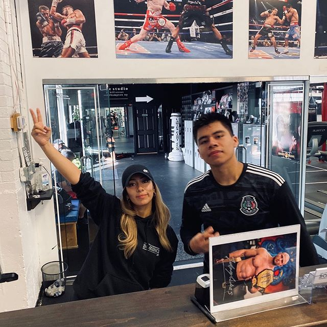 If you haven't taken a class with us yet, what are you doing with your life? 👏🏽 - - Featuring @julius_anglickas 😂 we keep your picture at the front desk, repping - - #hillstreetboxing #boxingfitness #certifiedtrainers #boxing