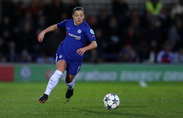 Chelsea Women's player Fran Kirby dribbling against Arsenal Ladies