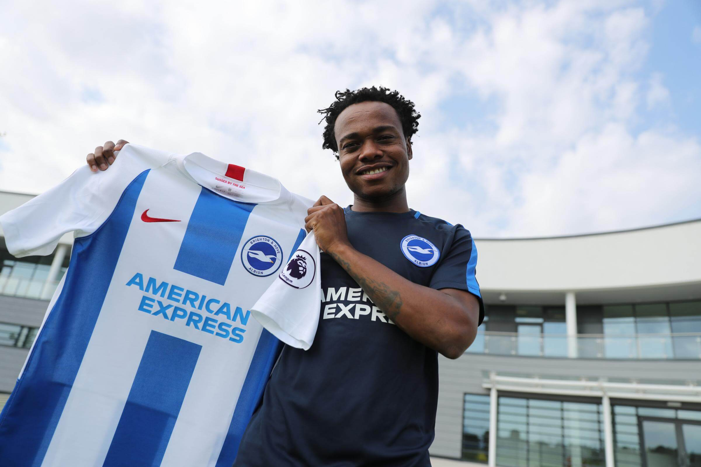 Percy Tau to begin creating new memories in the EPL after signing for Brighton & Hove Albion F.C from South African PSL side, Mamelodi Sundowns.