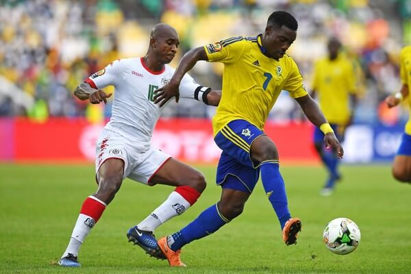 Gabon's forward Malick Evouna (R) challenges Burkina Faso's midfielder Charles Kabore during the 2017 Africa Cup of Nations group A football match between Gabon and Burkina Faso at the Stade de l'Amitie Sino-Gabonaise in Libreville on January 18, 2017. / AFP / GABRIEL BOUYS  (Jan. 17, 2017 - Source: AFP)