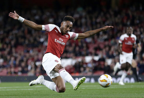 Pierre-Emerick Aubameyang of Arsenal scores his team's first goal during the UEFA Europa League Group E match between Arsenal and Vorskla Poltava at Emirates Stadium on September 20, 2018 in London, United Kingdom.  (Sept. 19, 2018 - Source: Henry Browne/Getty Images Europe)
