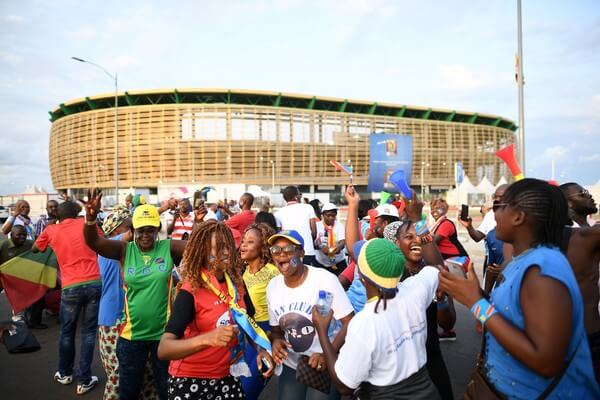 Democratic Republic of the Congo supporters arrive to attend the 2017 Africa Cup of Nations group C football match between Togo and DR Congo in Port-Gentil on January 24, 2017. / AFP / Justin TALLIS  (Jan. 23, 2017 - Source: AFP)