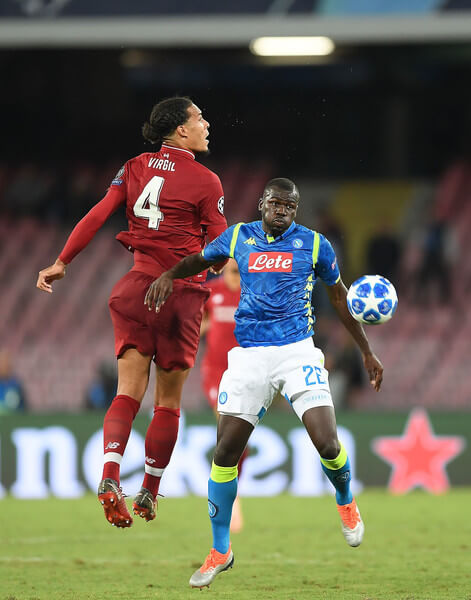 Paulo Dybala of Juventus battles for the ball with Kalidou Koulibaly of SSC Napoli during the Srie A match between Juventus and SSC Napoli at Allianz Stadium on September 29, 2018 in Turin, Italy.  (Sept. 28, 2018 - Source: gabriele maltinti/Getty Images Europe)