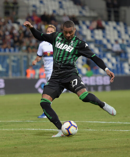 Kevin-Prince Boateng of US Sassuolo pulls the ball into the goal during the serie A match between US Sassuolo and Genoa CFC at Mapei Stadium - Citta' del Tricolore on September 2, 2018 in Reggio nell'Emilia, Italy.  (Sept. 1, 2018 - Source: Pier Marco Tacca/Getty Images Europe)