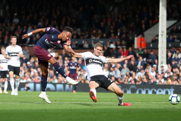 Pierre-Emerick Aubameyang of Arsenal scores his team's fifth goal during the Premier League match between Fulham FC and Arsenal FC at Craven Cottage on October 7, 2018 in London, United Kingdom.  (Oct. 6, 2018 - Source: Catherine Ivill/Getty Images Europe)