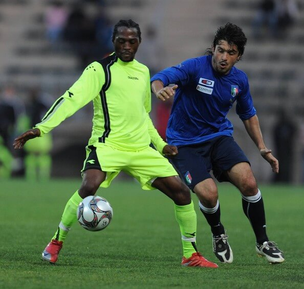 Lerato Chabangu of Tshwane XI and Gennaro Gattuso of Italy during the friendly match between Italy and Tshwane XI at Super Stadium on June 12, 2009 in Atteridgeville, South Africa. (Photo by Lefty Shivambu/Gallo Images/Getty Images) * Local Caption * Gennaro Gattuso;Lerato Chabangu  (June 12, 2009 - Source: Gallo Images/Getty Images Europe)