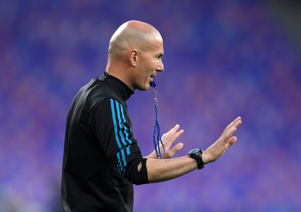 Zinedine Zidane, Manager of Real Madrid gives his team instructions during a Real Madrid training session ahead of the UEFA Champions League Final against Liverpool at NSC Olimpiyskiy Stadium on May 25, 2018 in Kiev, Ukraine.  (May 24, 2018 - Source: Laurence Griffiths/Getty Images Europe)