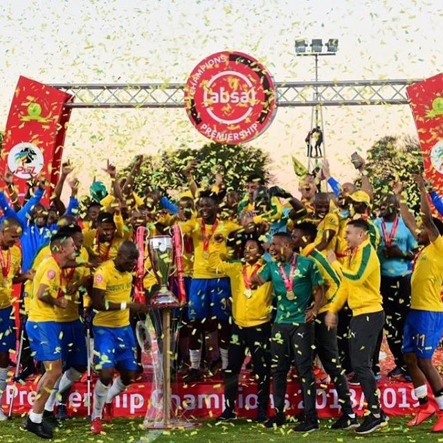 Congrats to @sundownsfc, your 2019 #AbsaPrem Champions 🏆🥇!! The Brazilians have now won the prestigious South African Premiership award a record 9x, and are back-to-back winners after winning the 17/18 trophy. What an end to a legendary title race in the competition!