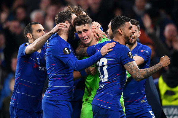 Kepa Arrizabalaga of Chelsea (C) celebrates victory in the penalty shoot out with team mates during the UEFA Europa League Semi Final Second Leg match between Chelsea and Eintracht Frankfurt at Stamford Bridge on May 09, 2019 in London, England.  (May 8, 2019 - Source: Getty Images Europe)