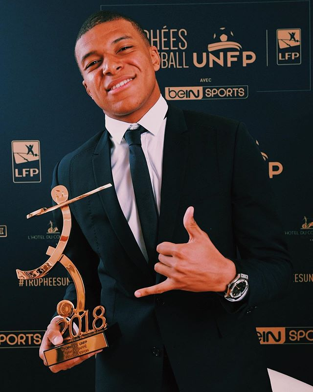 Congrats to @k.mbappe for winning both @ligue1conforama Player of the Year and Young POTY. The 20 year old has had an unprecedented twelve months having one a World Cup with France and back to back 🏆 with @psg . After another year not quite hitting the expectations set in front of them as a club, Paris St Germain will do well to hold onto both Mbappe and Neymar as both will surely have Champions League on their minds.