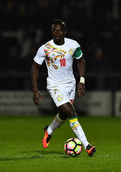Sadio Mane of Senegal runs with the ball during the International Friendly match between Nigeria and Senegal at The Hive on March 23, 2017 in Barnet, England.  (March 22, 2017 - Source: Dan Mullan/Getty Images Europe)