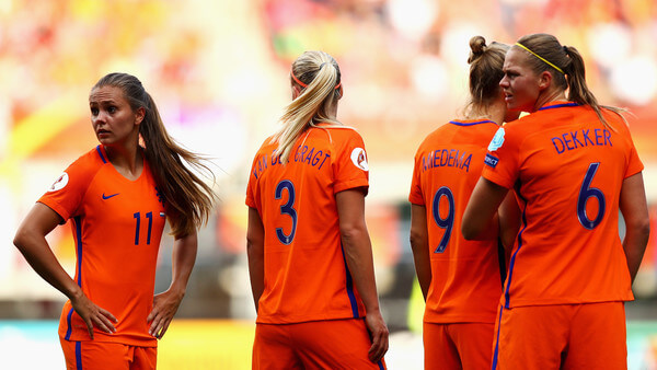 Lieke Martens, Stefanie van der Gragt, Vivianne Miedema and Anouk Dekker of the Netherlands make a defensive wall during the Final of the UEFA Women's Euro 2017 between Netherlands and Denmark at FC Twente Stadium on August 6, 2017 in Enschede, Netherlands.  (Aug. 5, 2017 - Source: Dean Mouhtaropoulos/Getty Images Europe)
