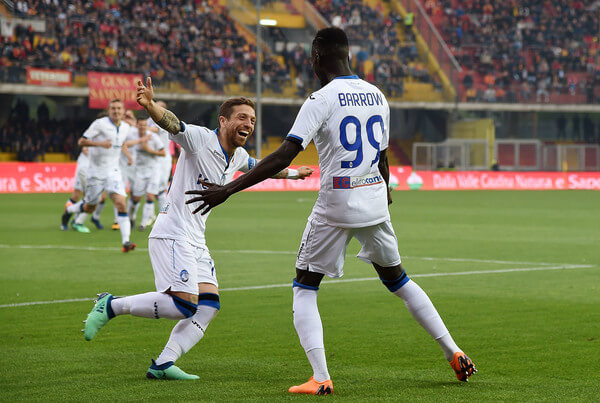Papu Gomez and Musa Barrow of Atalanta BC celebrate the 0-2 goal scored by Musa Barrow during the serie A match between Benevento Calcio and Atalanta BC at Stadio Ciro Vigorito on April 18, 2018 in Benevento, Italy.  (April 17, 2018 - Source: Francesco Pecoraro/Getty Images Europe)